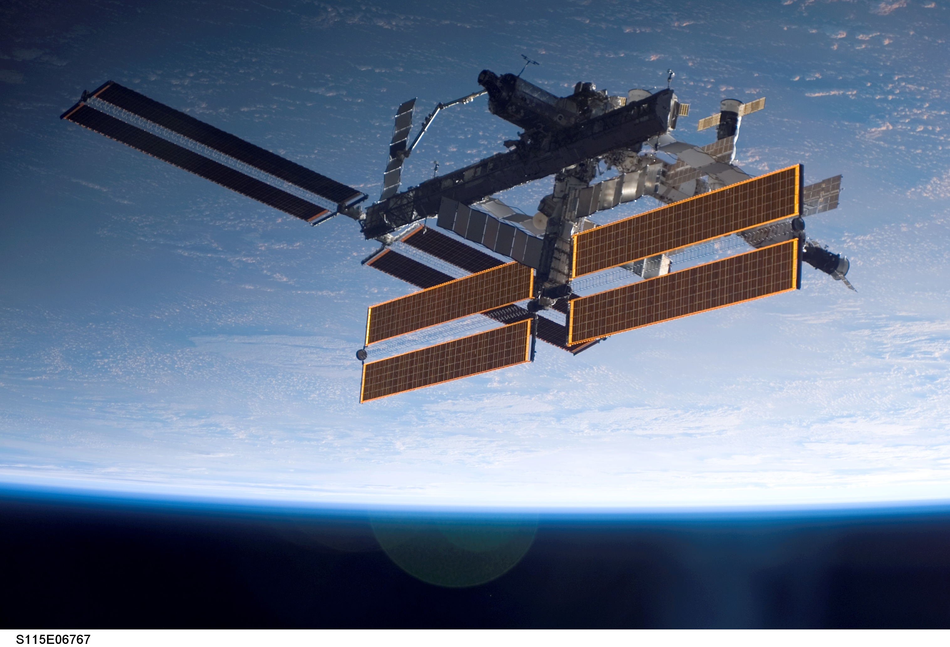 the solar space station facts information and pictures - 1200×750