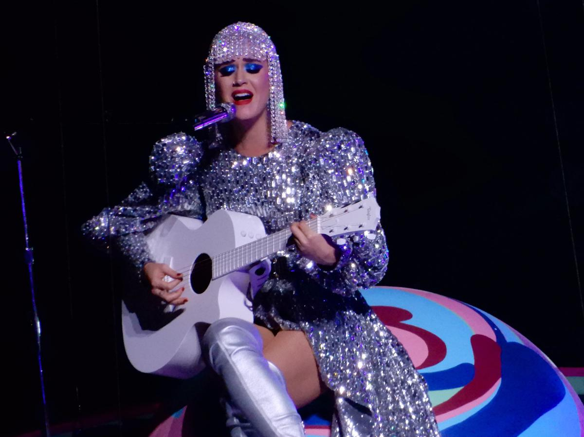https://360tv.ru/media/uploads/article_images/2018/12/21536_Katy_Perry_at_Madison_Square_Garden_37419834526.jpg