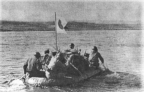 https://360tv.ru/media/uploads/article_images/2019/01/24635_Japanese_soldiers_cross_Khalkhyn_Gol_river_1939.jpg