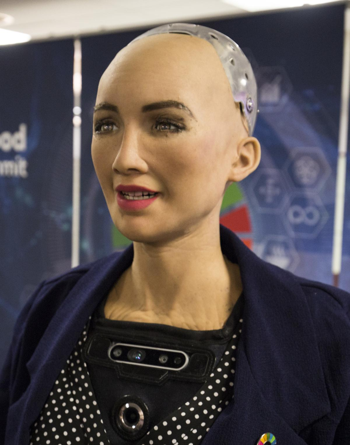 https://360tv.ru/media/uploads/article_images/2019/02/29256_Sophia_at_the_AI_for_Good_Global_Summit_2018_27254369347_cropped.jpg
