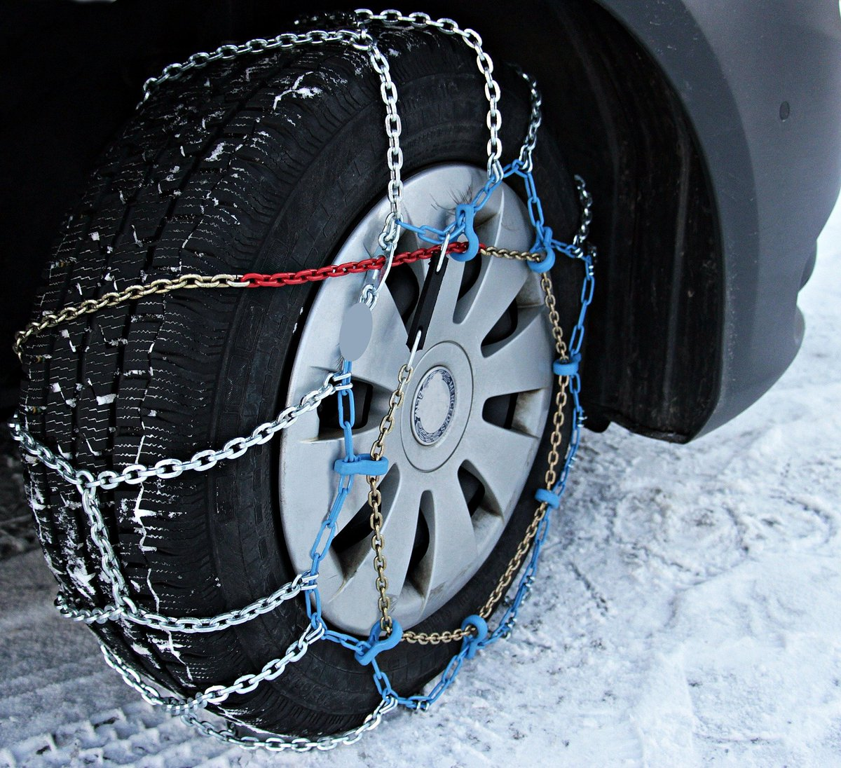 https://360tv.ru/media/uploads/article_images/2019/11/54683_snow-chains-3029596_1920.jpg